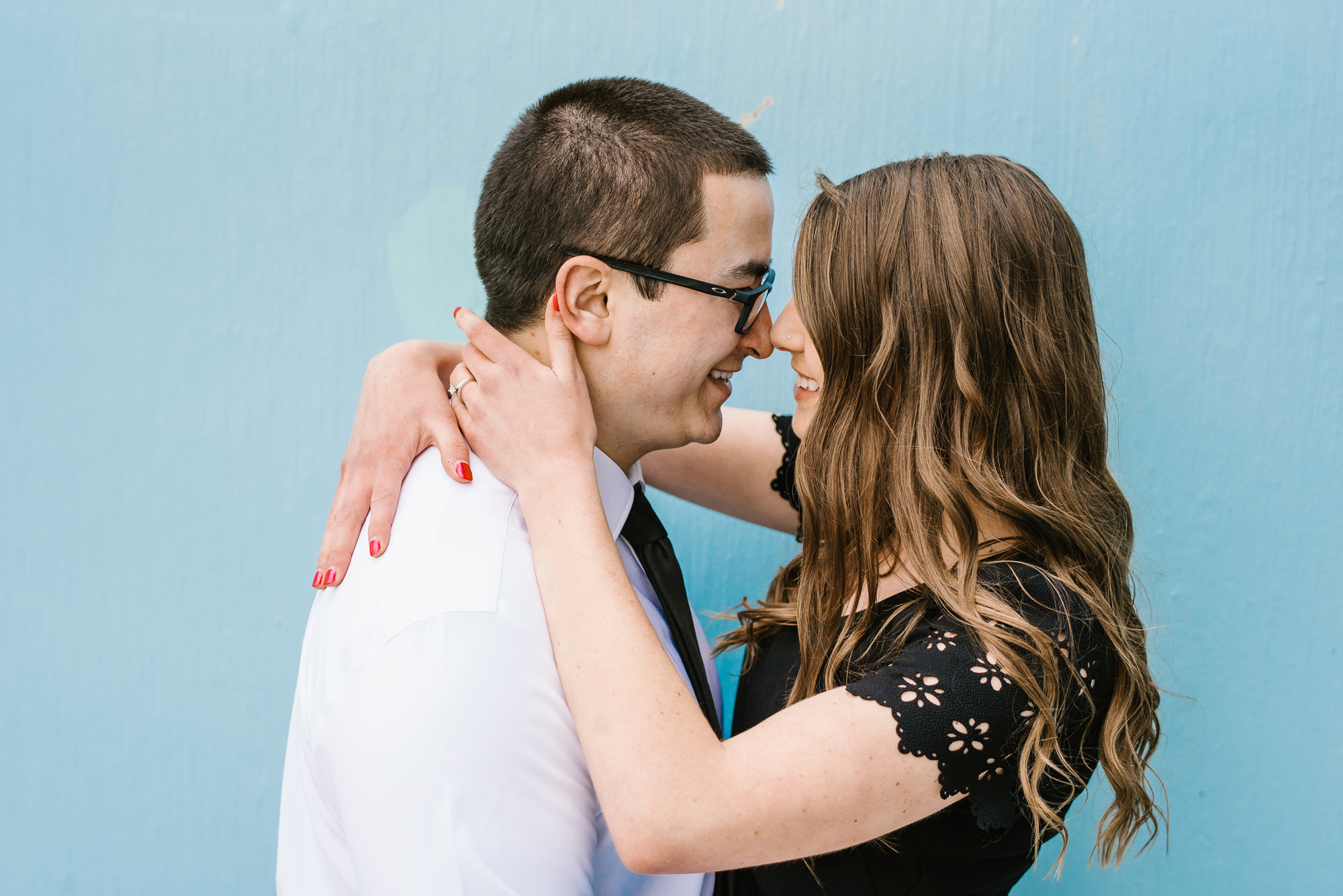 grand-rapids-downtown-spring-engagement-session (19).jpg