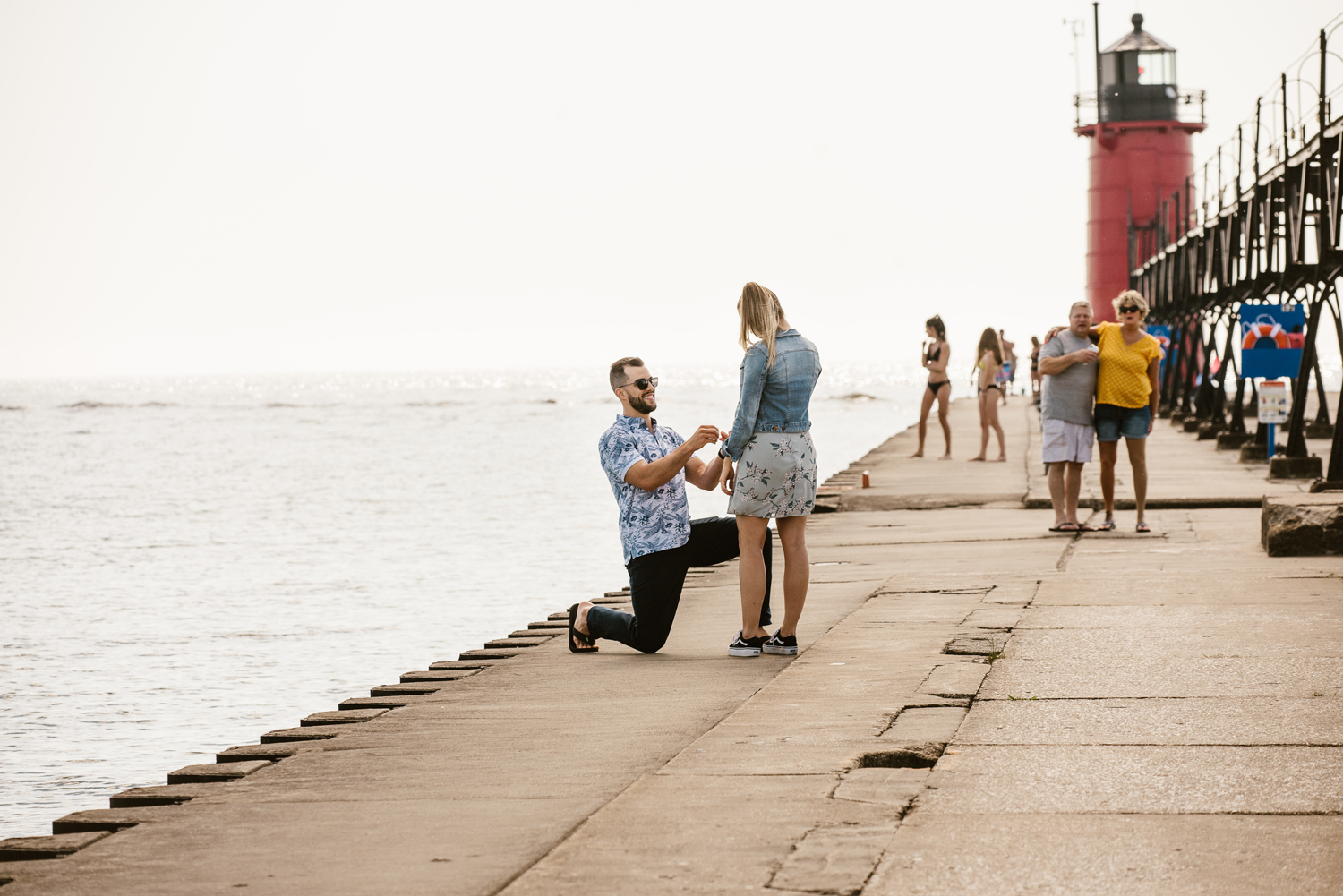 South-Haven-Michigan-Proposal-Engagement-Photographer (16).jpg