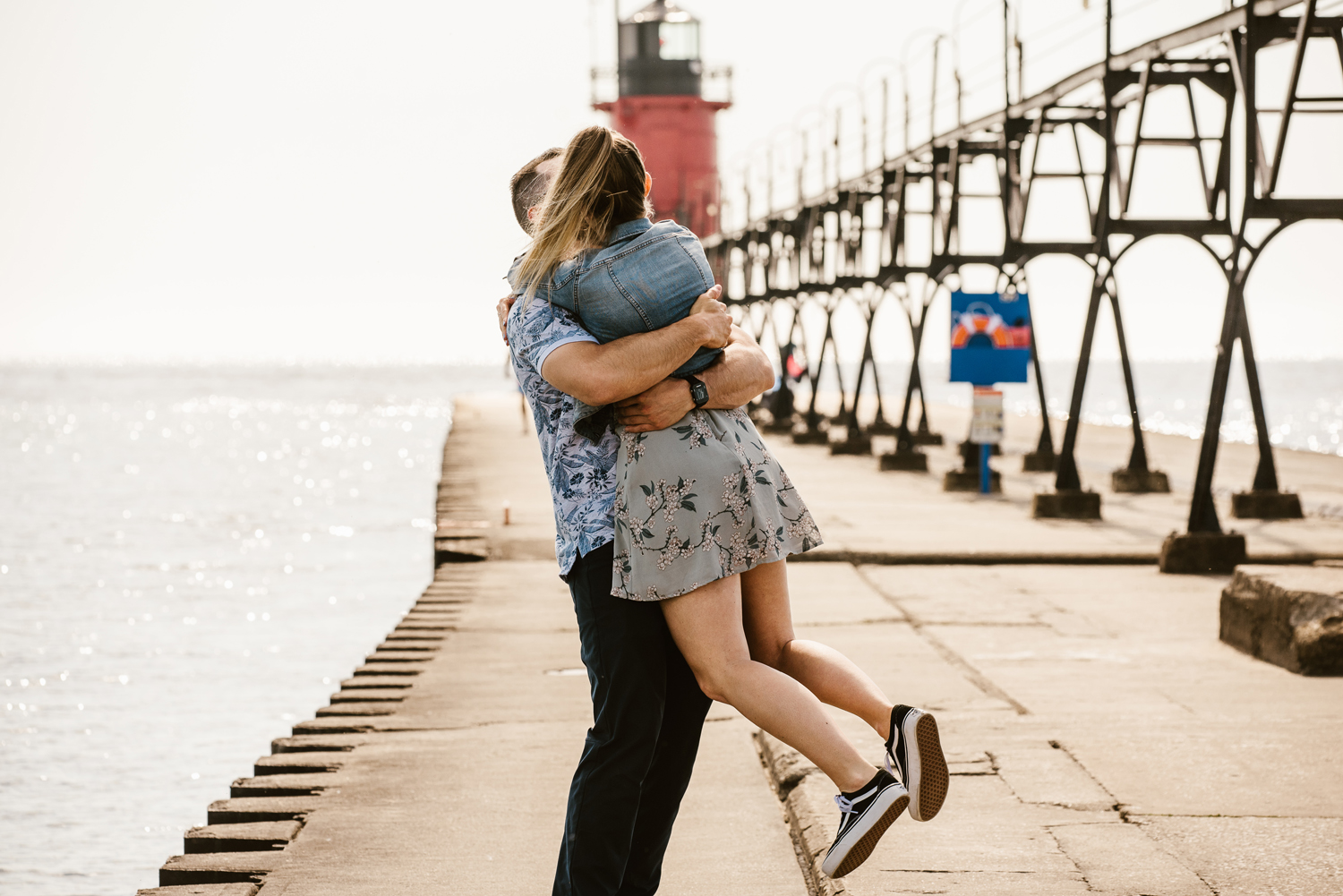 South-Haven-Michigan-Proposal-Engagement-Photographer (35).jpg