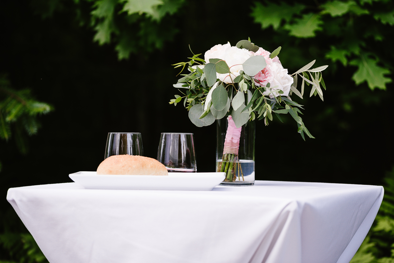 ravines-golf-club-wedding (100).jpg