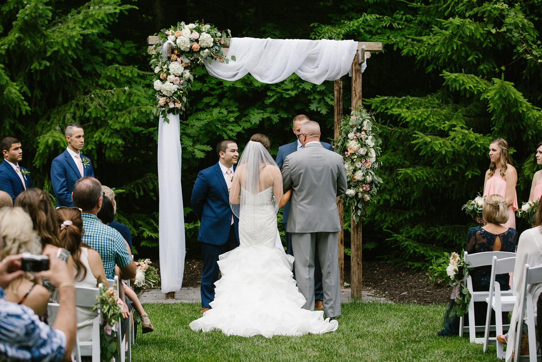 ravines-golf-club-wedding (116).jpg