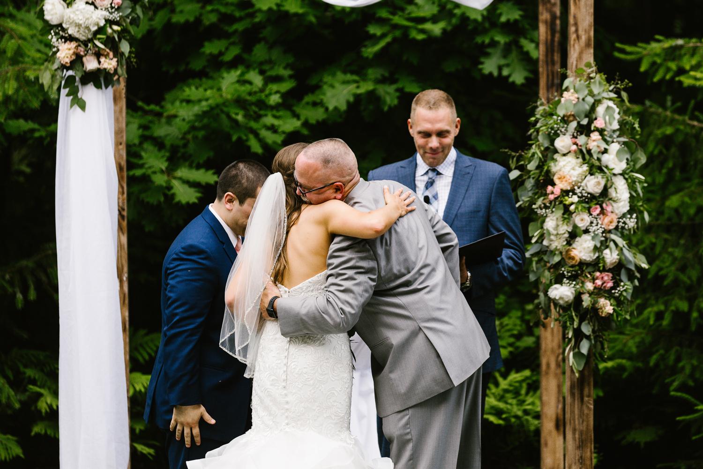 ravines-golf-club-wedding (118).jpg