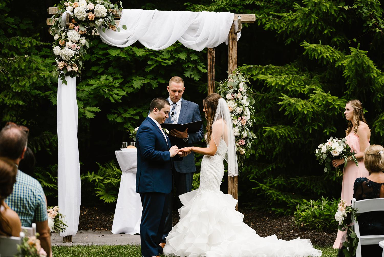 ravines-golf-club-wedding (131).jpg