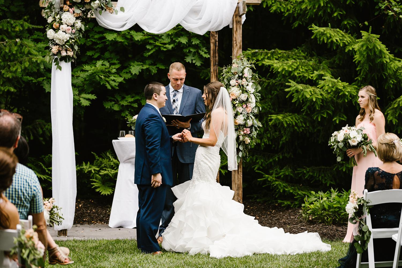 ravines-golf-club-wedding (133).jpg