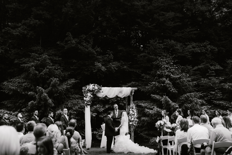 ravines-golf-club-wedding (139).jpg