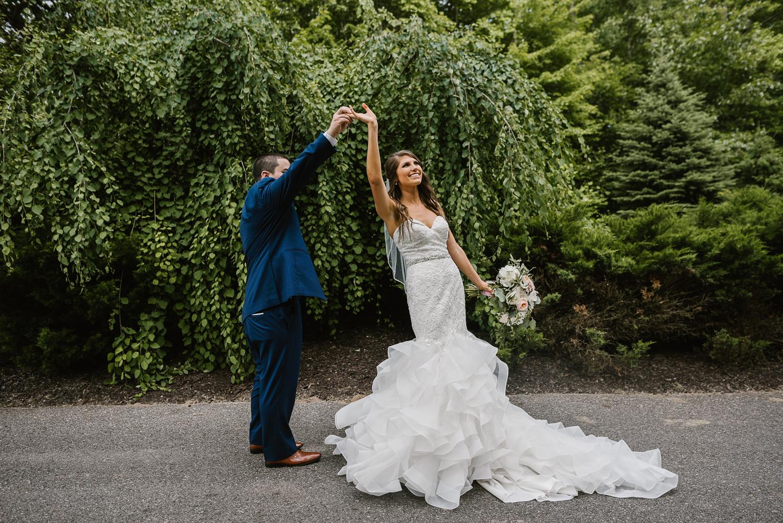ravines-golf-club-wedding (145).jpg