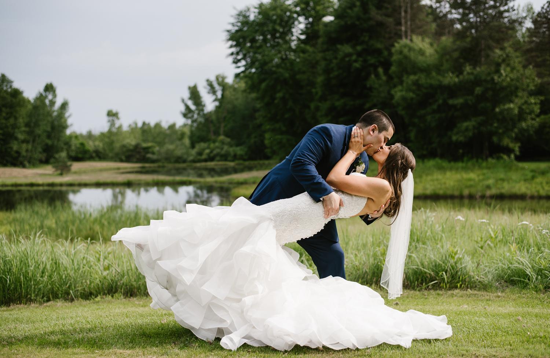 ravines-golf-club-wedding (150).jpg