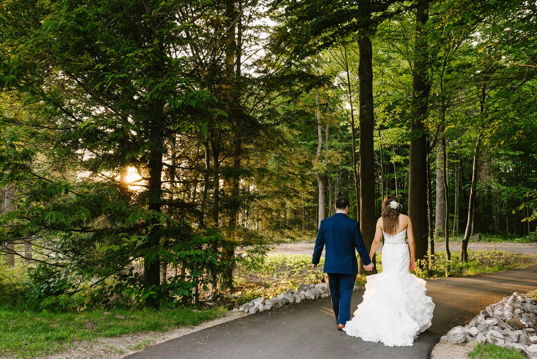 ravines-golf-club-wedding (208).jpg