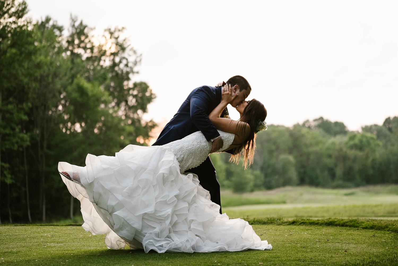 ravines-golf-club-wedding (213).jpg