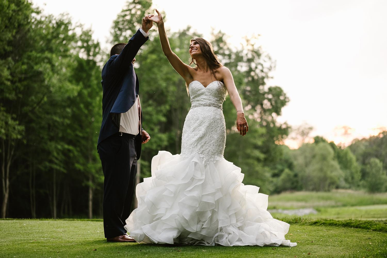 ravines-golf-club-wedding (214).jpg