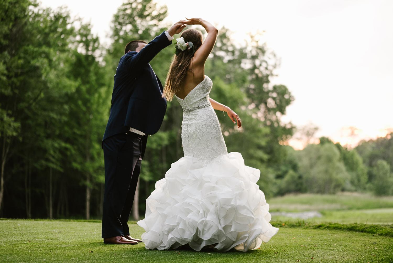 ravines-golf-club-wedding (215).jpg
