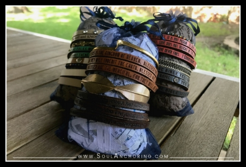 DIY Organize / Display Bracelets || SoulAnchoring.com