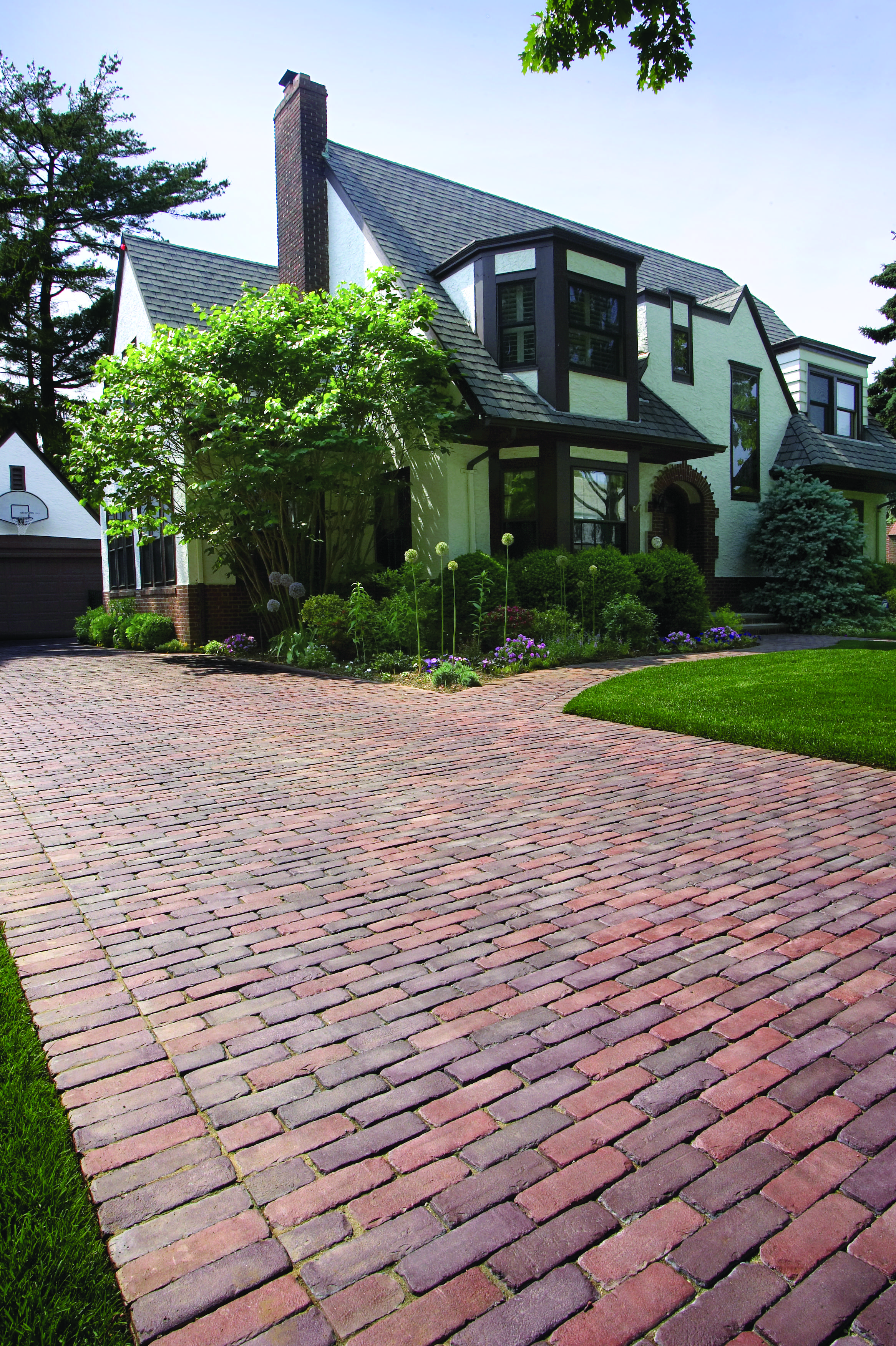 The Best Concrete Paving Stones for Modern Walkways in Hudson Valley, NY