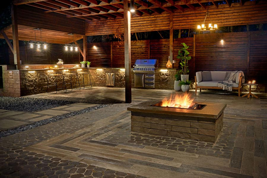 landscaping_by_space_outdoor_kitchen_firepit.jpg