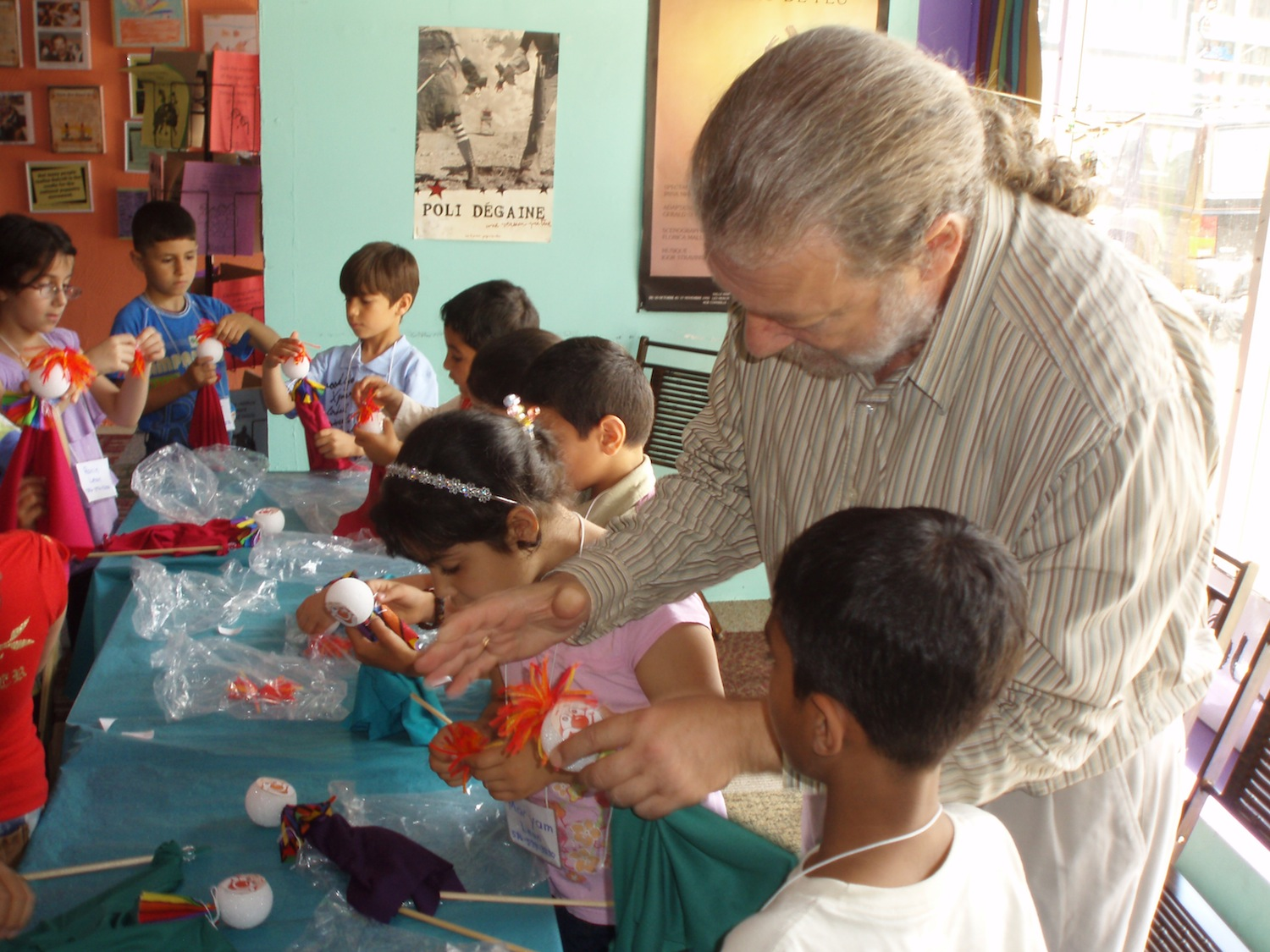 AFTER SHOW WORKSHOPS - Join PuppetART's performers and teachers for our after show puppet making workshops. Make a puppet based on the show you've just seen and learn how to design and build your own puppets at home.