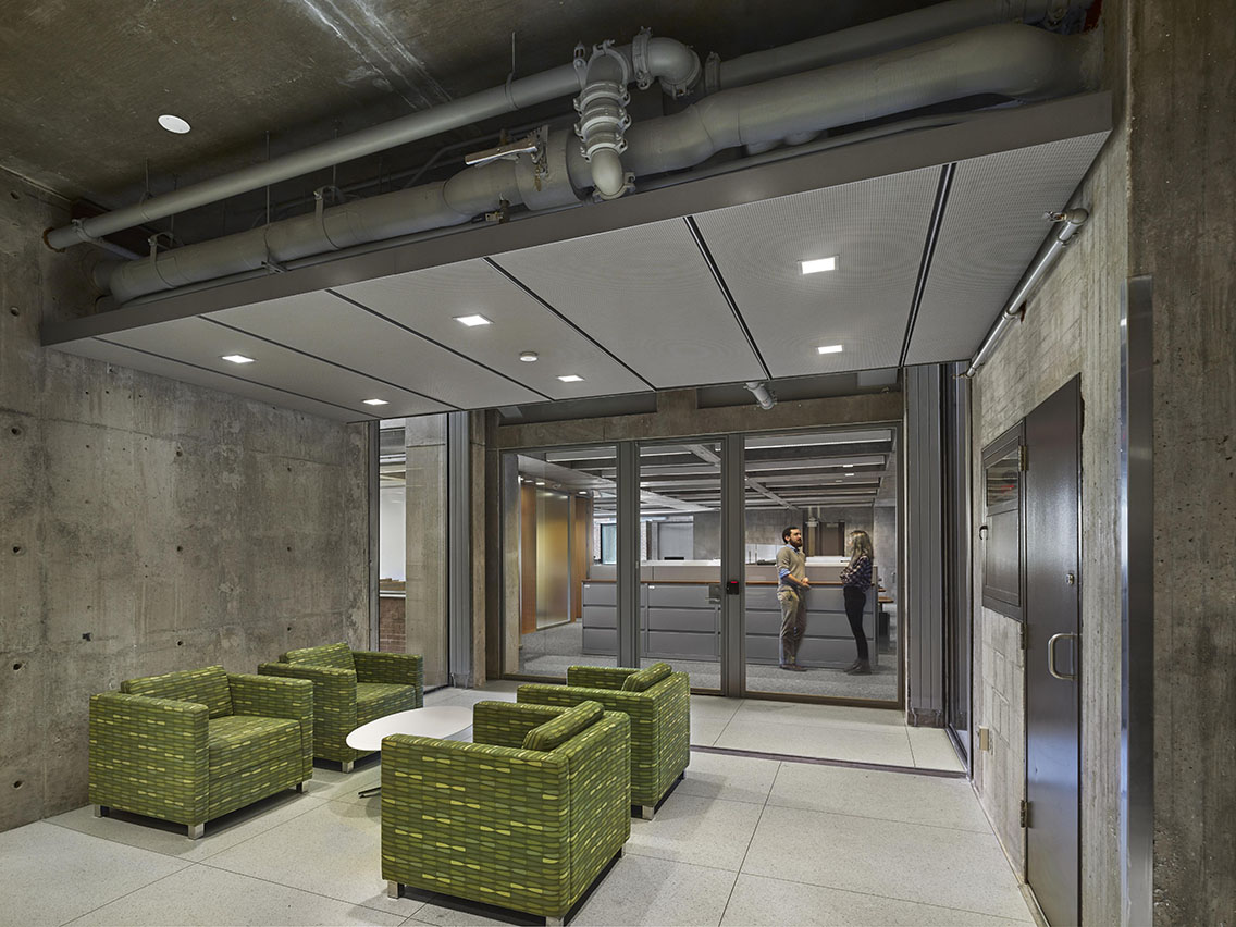 3. Lounge_reception area in Tower C looking into D..jpg