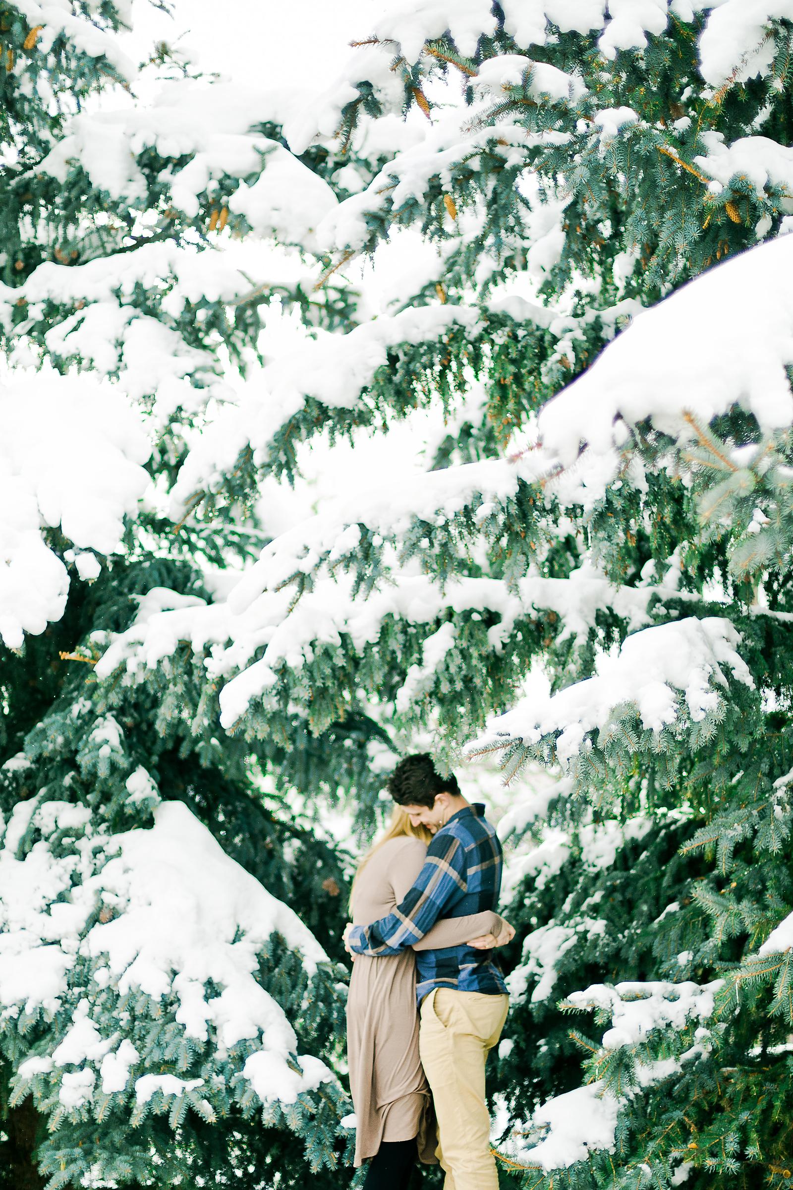 winter_wedding_anniversary_pictures_011.jpg