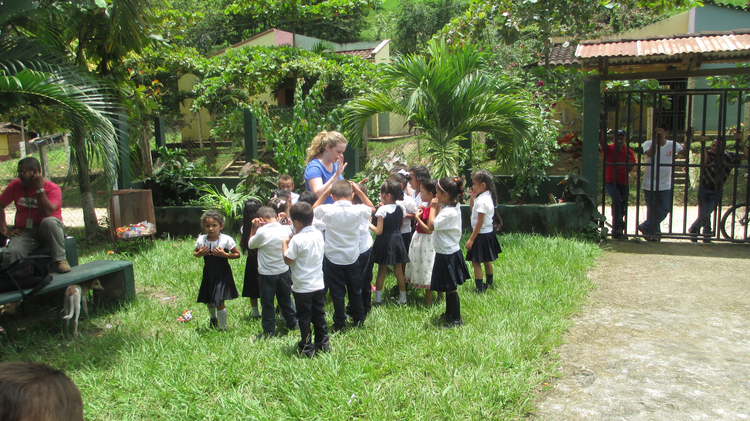 Lindsey Baker with student of the school in Bacadillas
