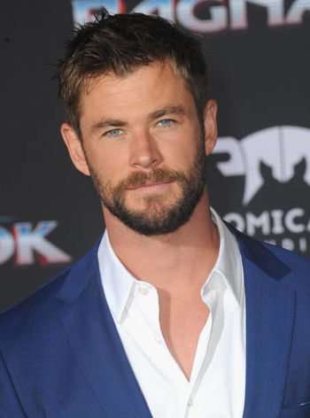 Chris_Hemsworth (1).jpg