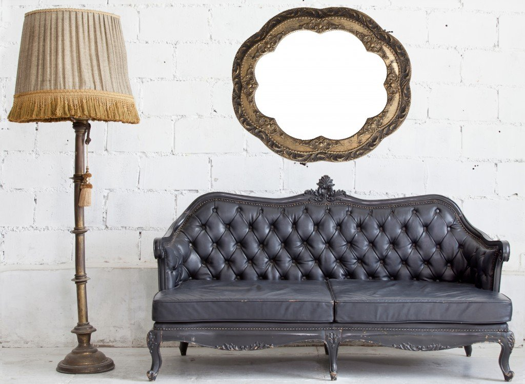 Re Antiques couch photo.jpg