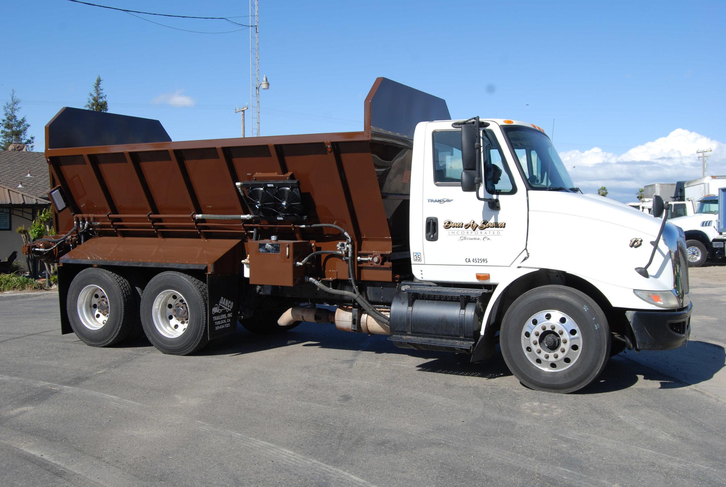 16' Truck Mount V-Bottom Spreader Box