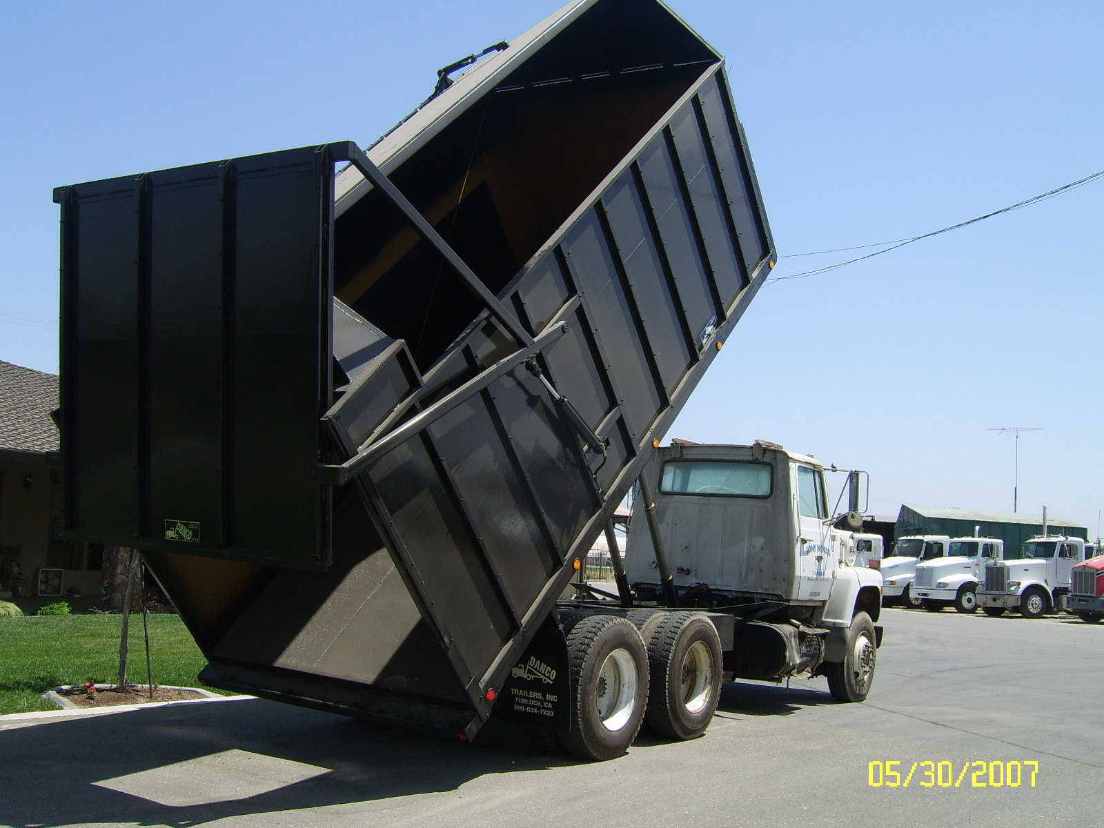 18' Truck Mount Silage Dump Bed