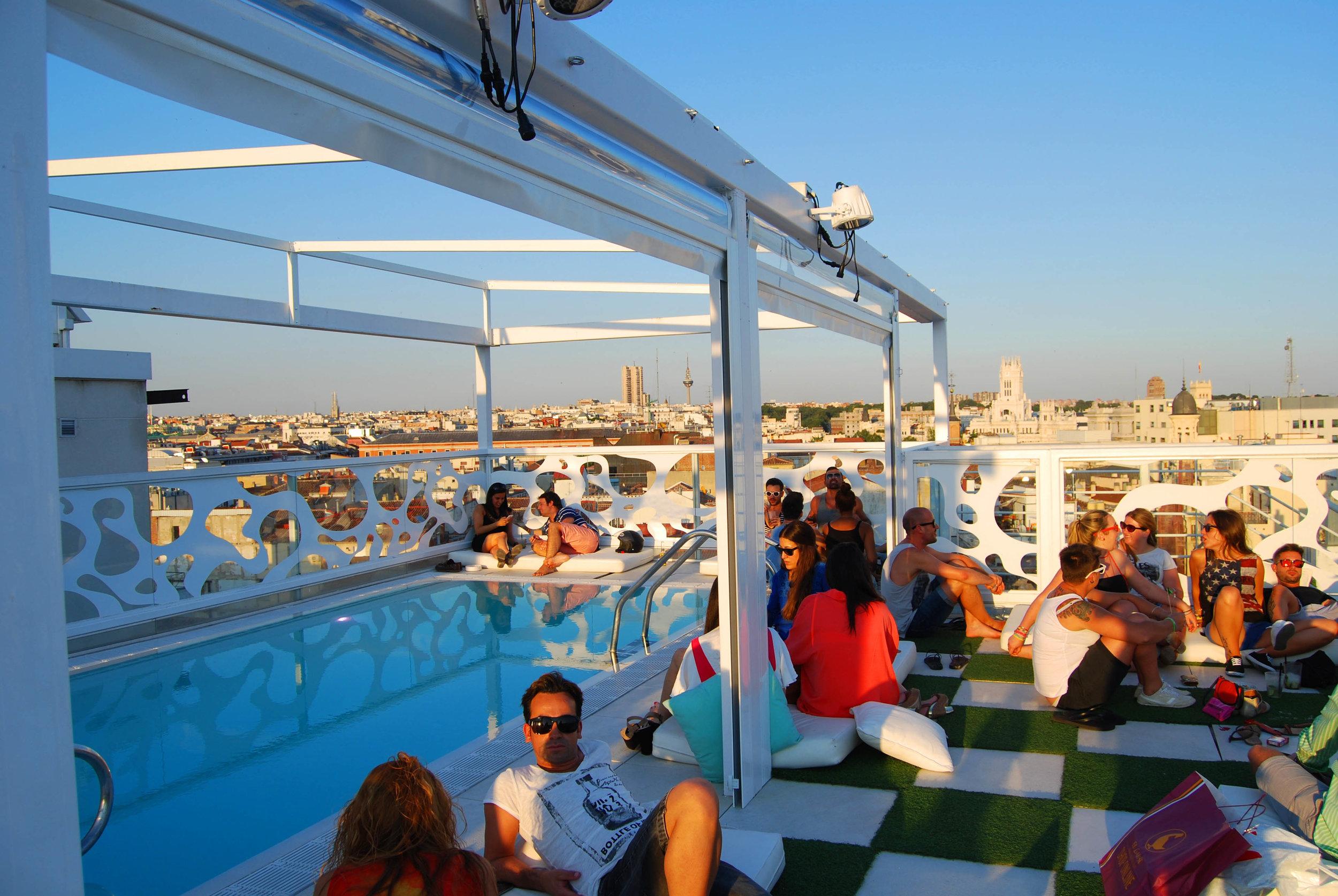 virginia-duran-blog-best-rooftops-of-madrid-room-mate-oscar-hotel-2.jpg