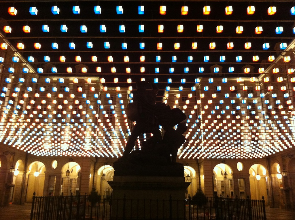 piazza-palazzo-di-cittc3a0.jpg