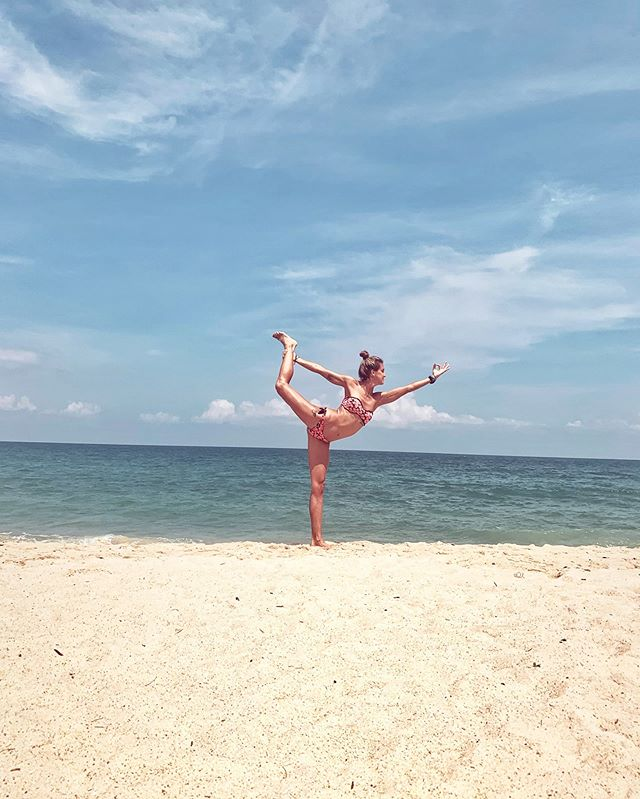 """Connection is the energy that is created between people when they feel seen, heard and valued - when they can give and receive without judgment."" B.B.💙 • • #meditation #yogalife #yogateachers #yogi #dancerpose #yogaasana #asana #yogagirl #beachyoga #oceanlover #connection #oceanholic #oceangirl #phuketthailand #yogaeveryday"