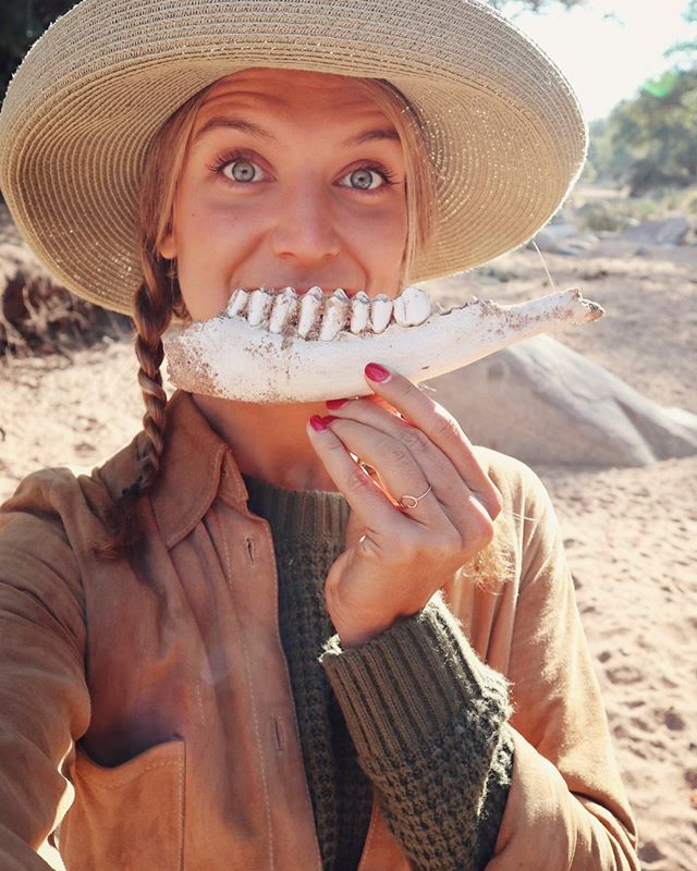 More teeth for a bigger smile! Granny, I have a present for you from Africa!🤪😬 • • #safari #selatigamereserve #games #southafrica #southafricatrip #kruger #safariday #travelgirl #wanderlust #alive #intenselyalive #safarioutfit #bush #bushsafari #travelholic #travelandlife