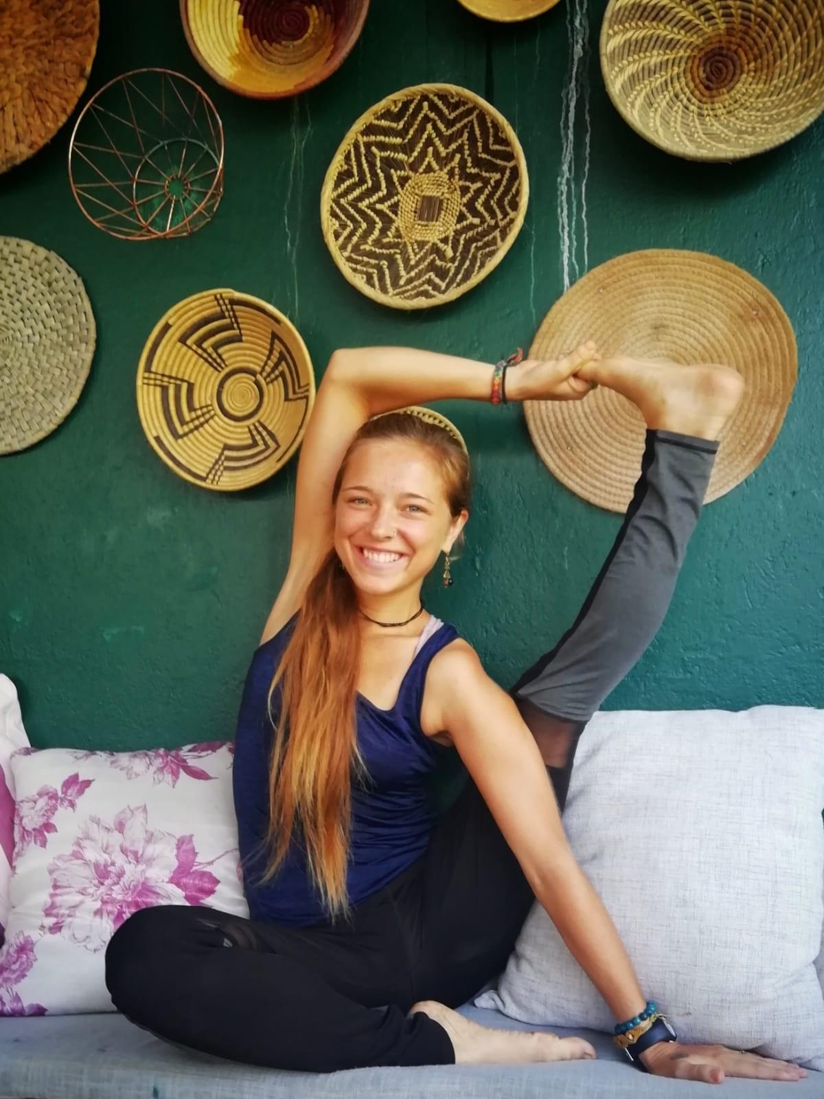 Luna - MeditationHatha YogaYoga Therapy