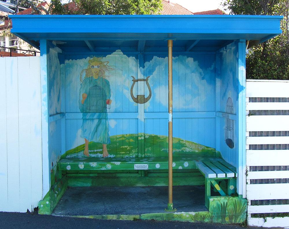Bus-stop-in-Roseneath,-Wellington---1000.jpg