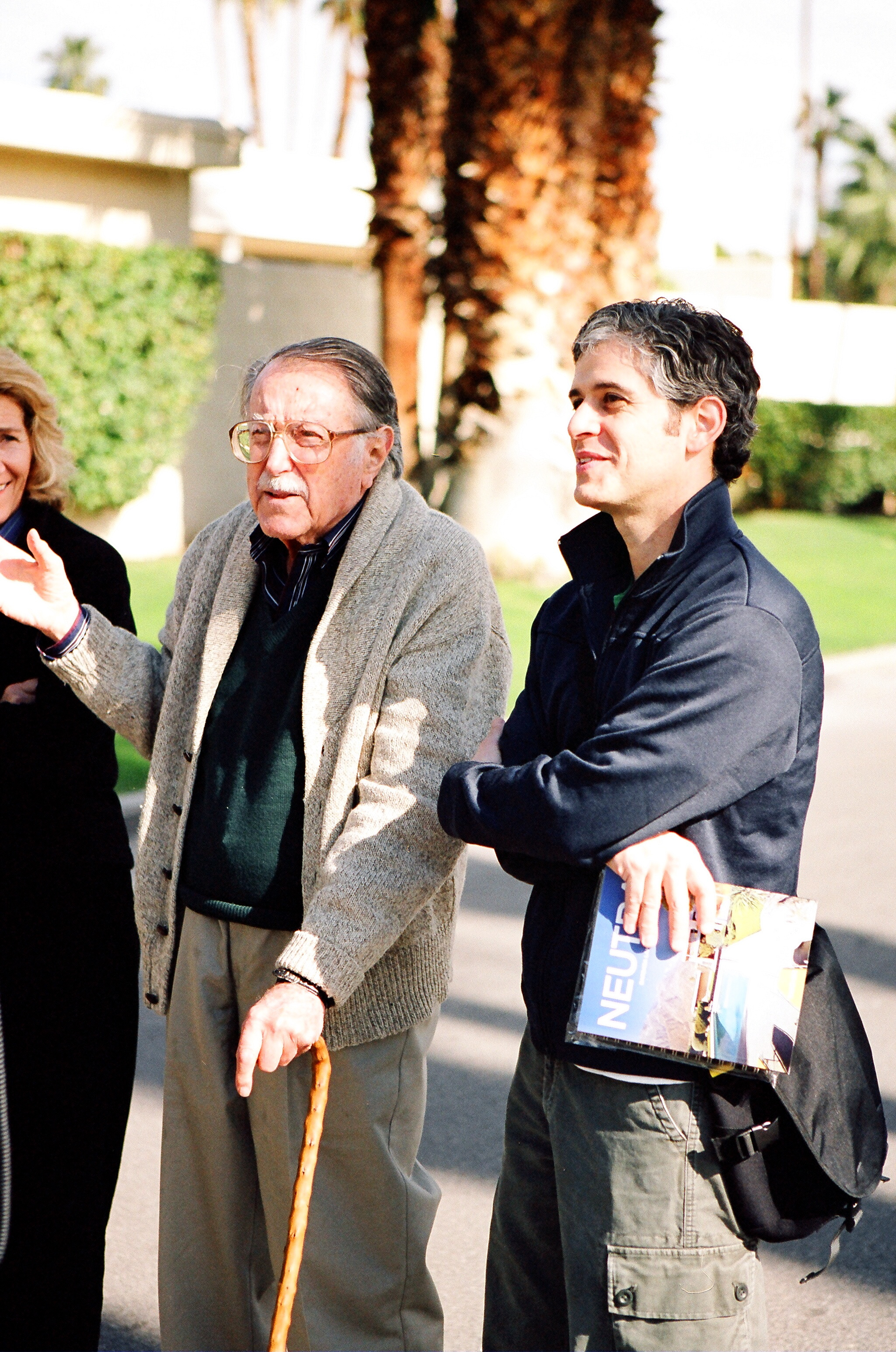 Rose Nielsen, Julius Shulman and Eric Bricker outside the home of E. Stewart Williams.
