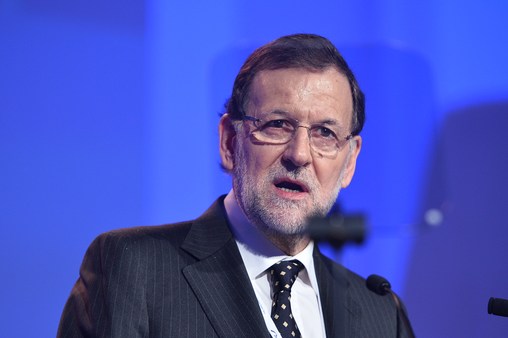 Spanish PM Rajoy urges Catalonian leaders to abandon the illegal referendum and to instead seek a greater degree of autonomy while keeping Spain intact.