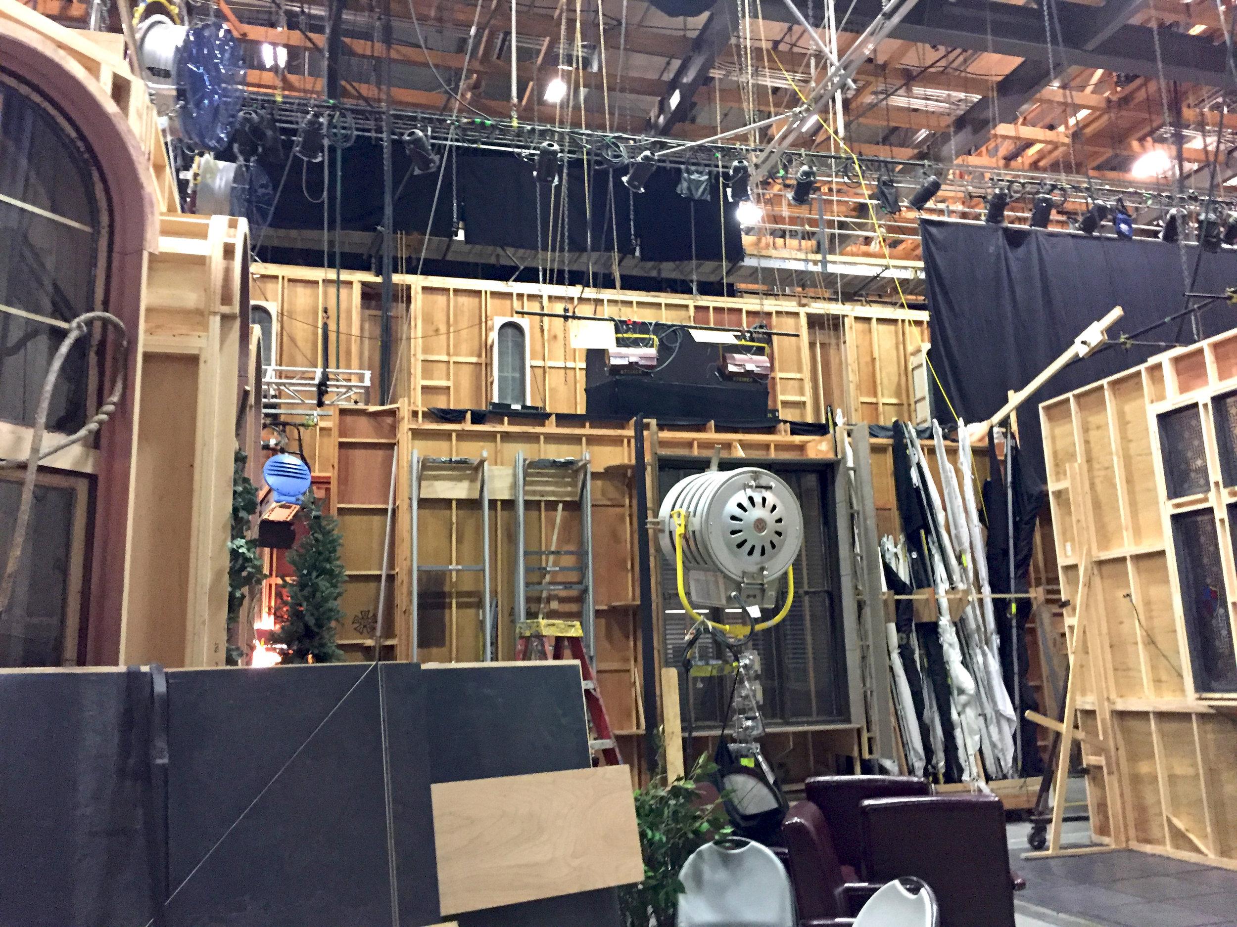 Behind-sets_Steiner.jpg