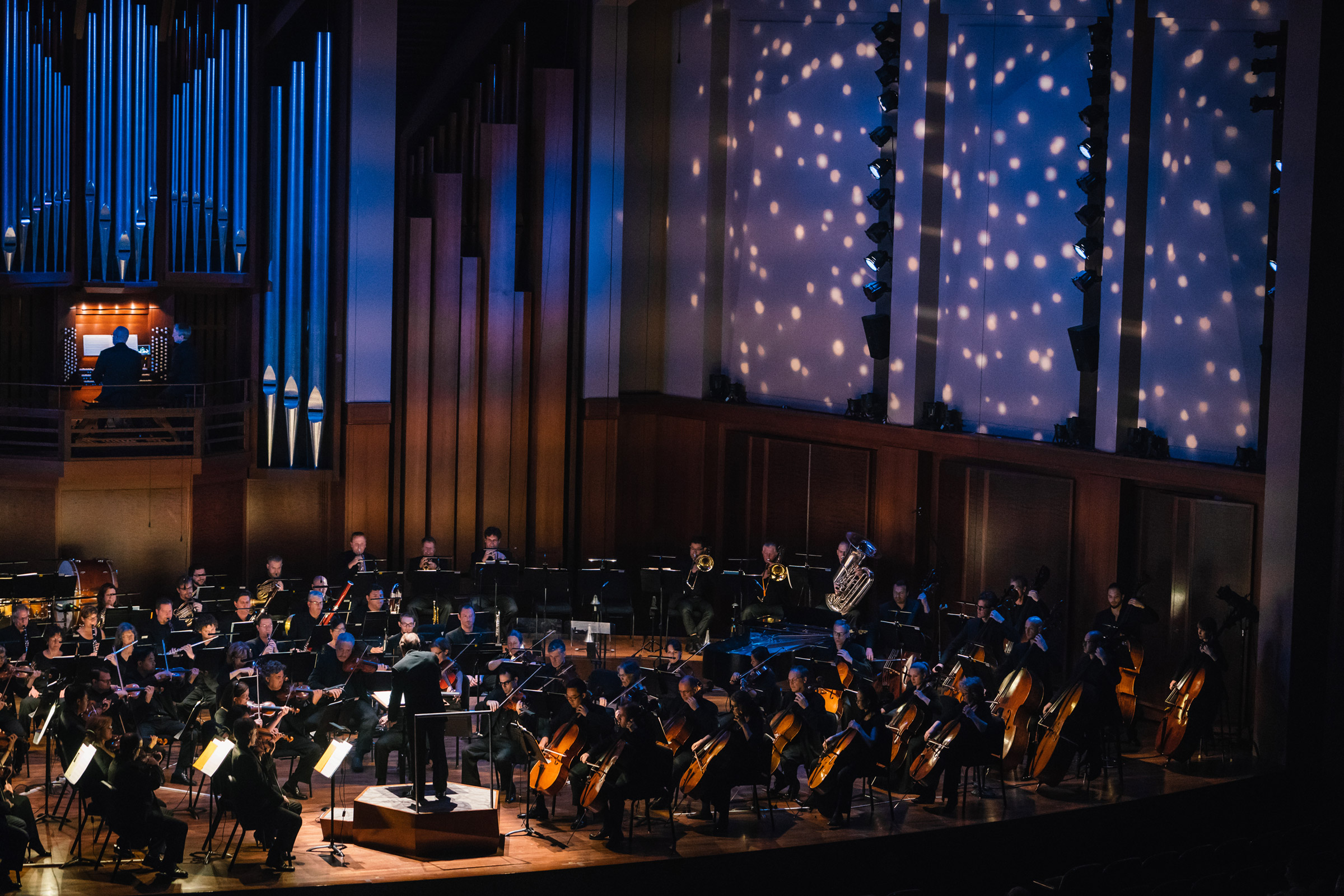 seattle-symphony-orchestra-brandon-patoc-colorful-lighting-01.JPG