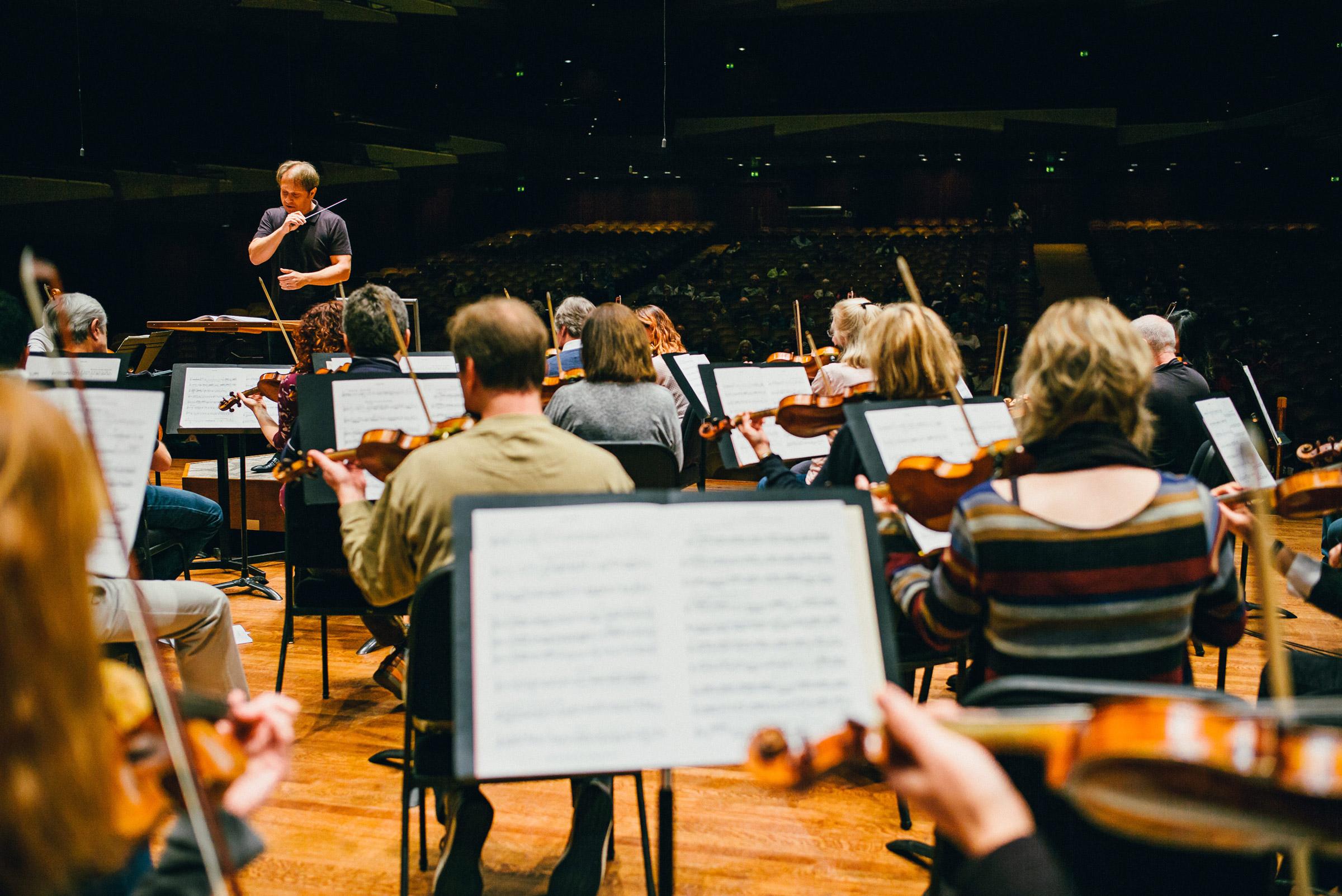 seattle-symphony-orchestra-brandon-patoc-rehearsal-ludovic-morlot-01.JPG