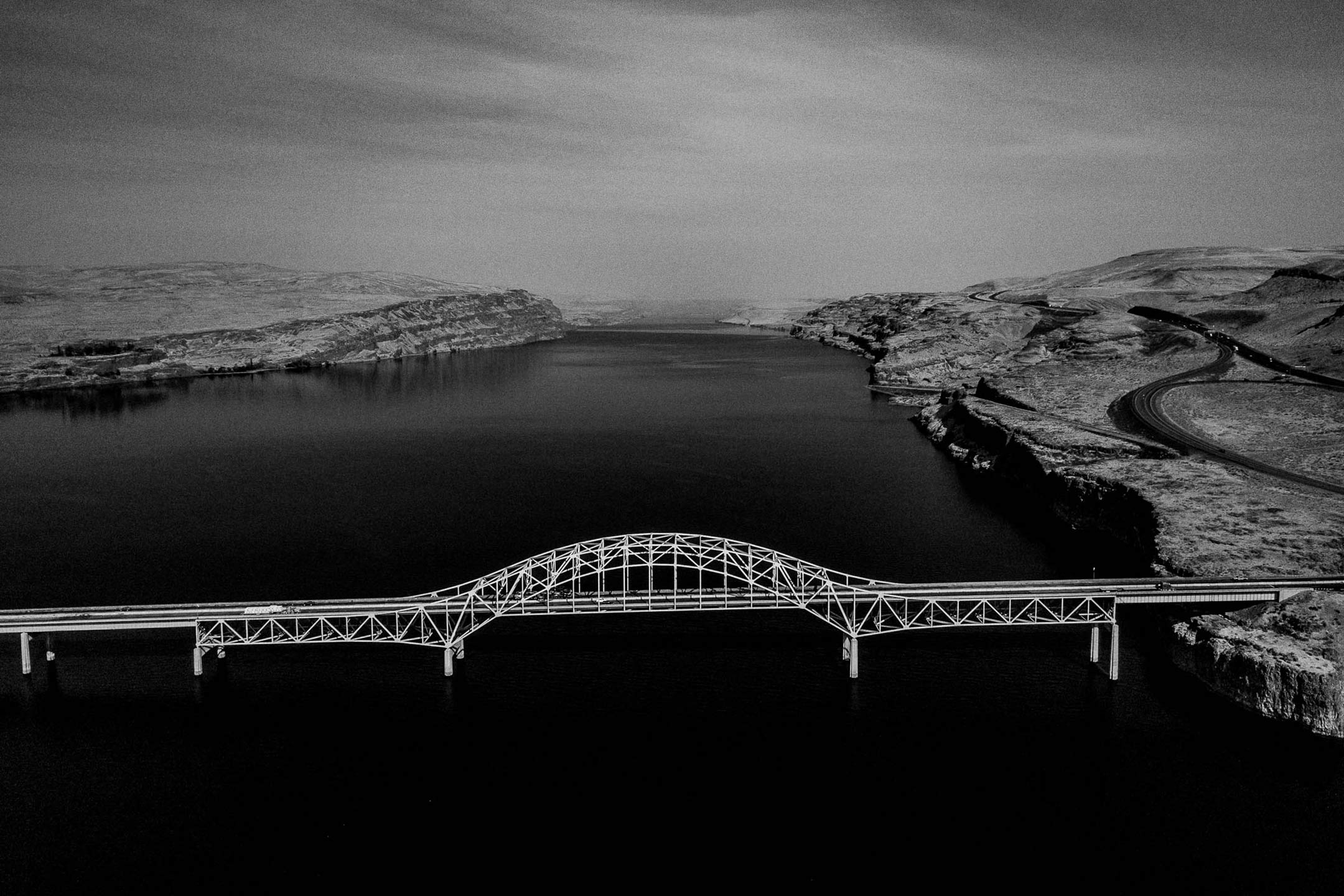 seattle_hyatt_regency_pnw_landscape_columbia_river_bridge_brandon_patoc_0001.jpg