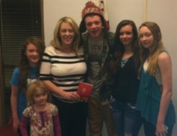Jen and her children.