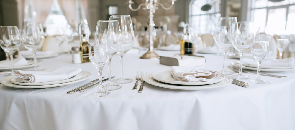 wisconsin dells glassware silverware plate rental