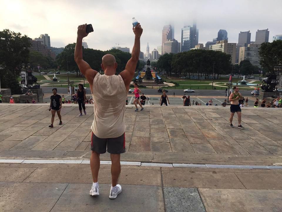 Entertainer and entrepreneur, Robert Arthur, conquers a 3-mile run from the hotel and gets an epic instragram pic at the famous Rocky Steps in Philadelphia on a group fitness outing with Marcello Pedalino and friends.