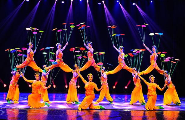 ShanghaiAcrobats_615x400.jpg