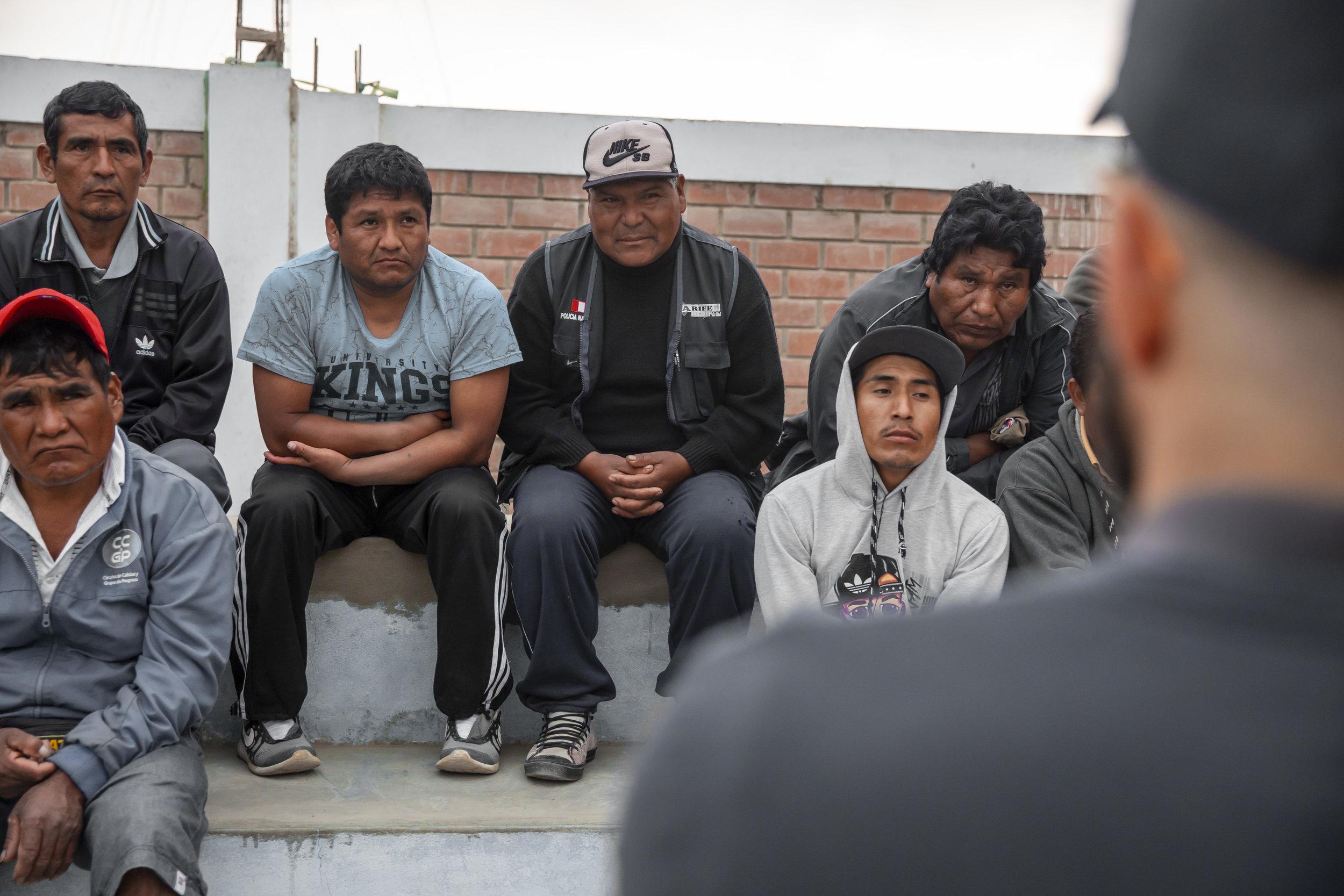 Simone speaking with members of the Beatita de Humay Fishers' Cooperative.   Ana Sotelo for NESsT.