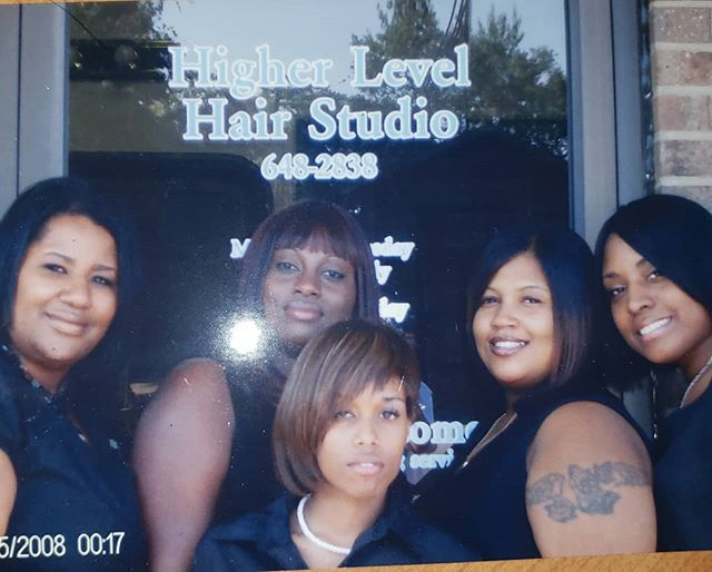 #fbf Went way back to  2008. Healthy hair has always been the foundation of HIGHER LEVEL, starting with these great artist. . We had those body  wrap laid.  Higher level hair studio and hair loss clinque has been given  Service on a higher level since #1999  #fbf #avafrremanco  #higherlevelhairstuddio #bodywraps  #1999  #blackonblack  #blackgirlrock  #realhair  #coaching  #whatsyour10yrplan  education  #redefinningthesalonexperience