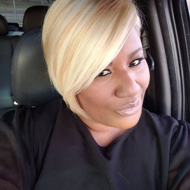 Yess , I've been extremely focused  lately but its times to play. Thanks @tomikalusterhairartist .for the look. I needed this love  #feelingmyself #blondebombshell  #Avafreemanco  #nashville  #clarksvillestylist