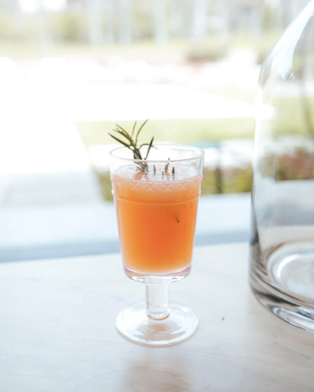 The-Oily-Home-Companion-Recipe-Grapefruit-Ginger-Rosemary-Spritzer-Non-Alcoholic-Vitality-Essential-Oil-Young-Living-Spring-Summer.jpg