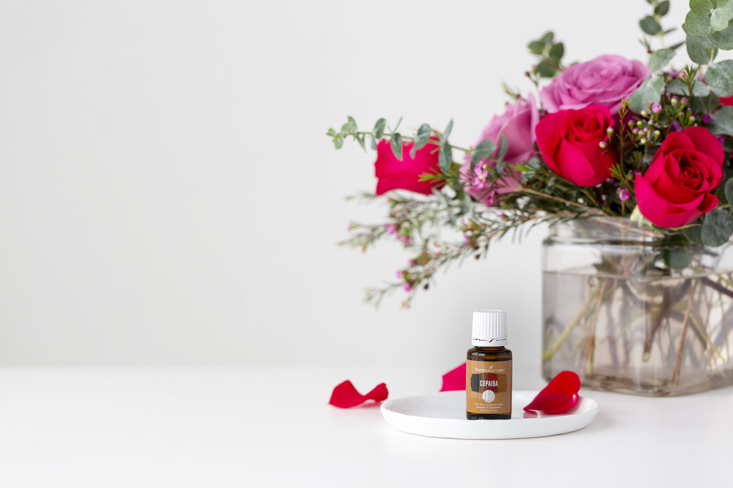 copaiba_15ml_vdaybouquet_ylimages_.jpg