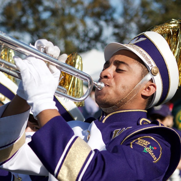 university-of-washington-husky-marching-band-1000x600.jpg