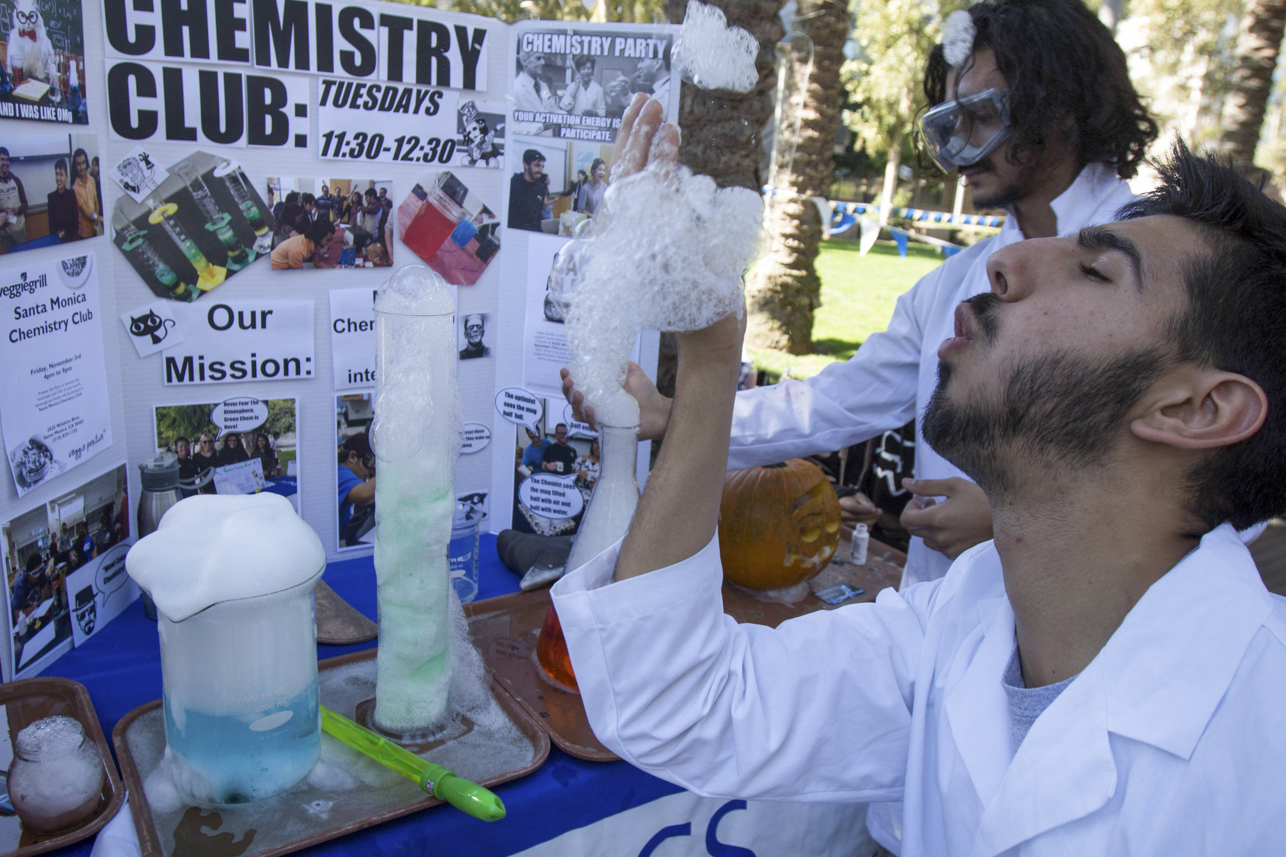 Elliot Makhani the treasurer of the Chemistry Club blowing bubbles the club made during Club Row on Thursday, October 26th, 2017 at Santa Monica College in Santa Monica, Calif. The mission of the Chemistry club is to bring together chemistry students and fansof all ages. (Photo by: Brian Quiroz)