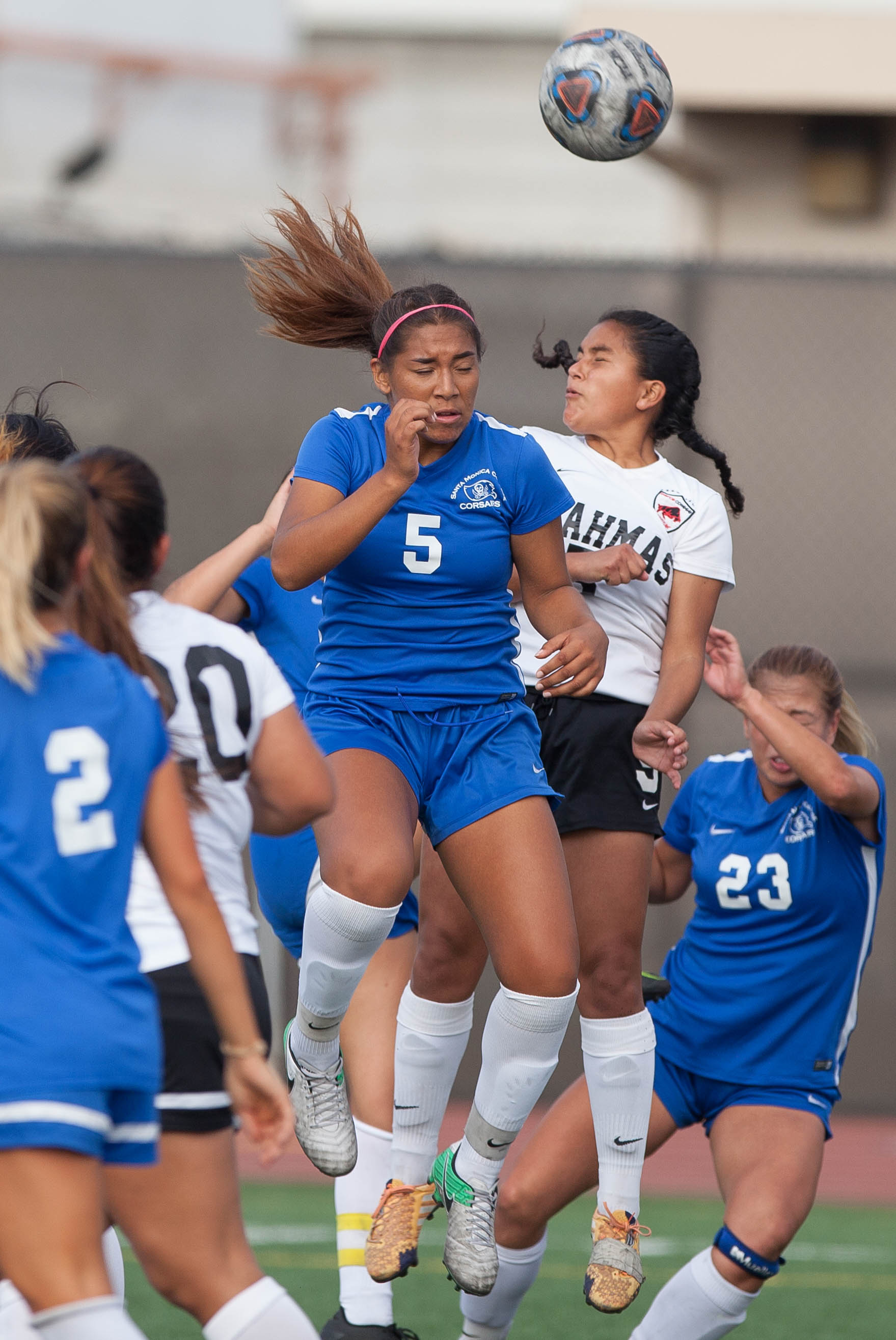 Santa Monica College Corsair Joscelyn Diaz (5)  headbutts the ball during the the game against the Pierce College Brahmas at SMC on Tuesday, October 31, 2017 in Santa Monica, Calif. Corsairs win against the Brahmas 1-0. (Elena Rybina)
